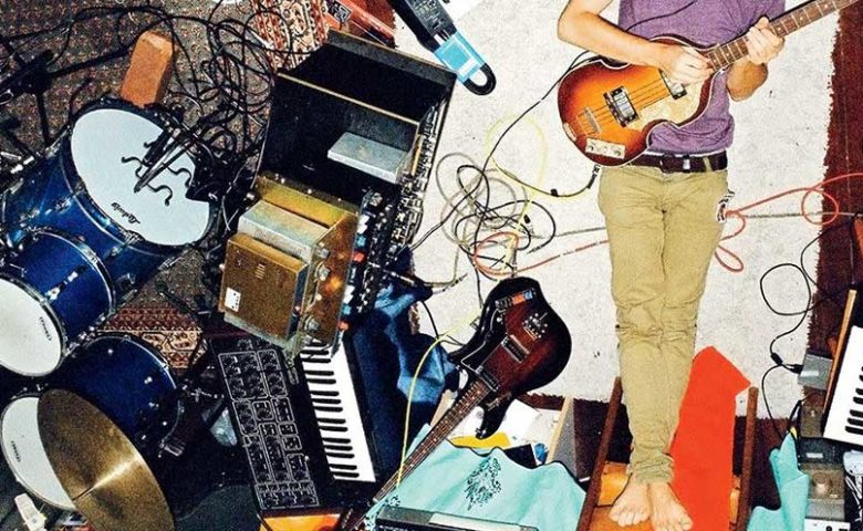 We spoke to three Pakistani musicians about recording music on a budget, sastay mein